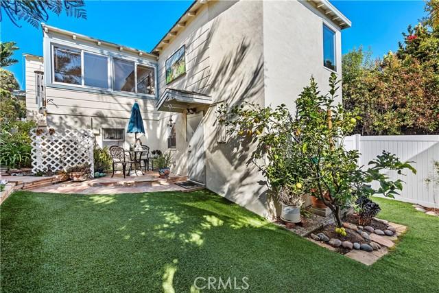 25. 575 Blumont Street Laguna Beach, CA 92651