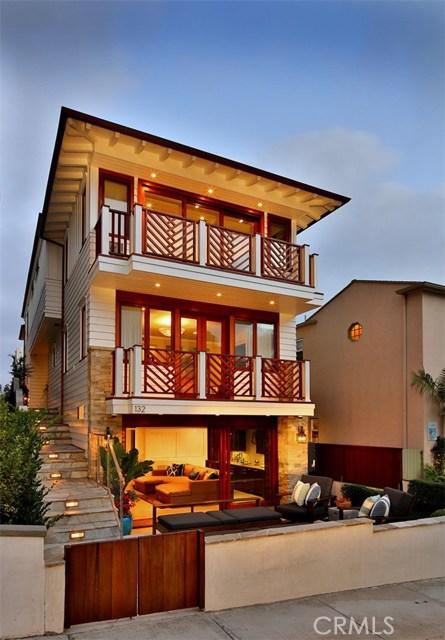 132 16th Street, Manhattan Beach, California 90266, 4 Bedrooms Bedrooms, ,4 BathroomsBathrooms,For Sale,16th,SB17111373