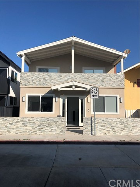 209 Cypress Street, Newport Beach, CA 92661