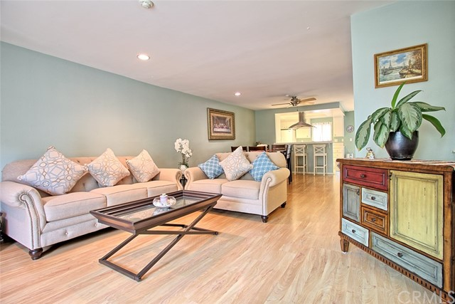 2520 Graham Avenue 4, Redondo Beach, California 90278, 2 Bedrooms Bedrooms, ,1 BathroomBathrooms,For Sale,Graham,SB20133687