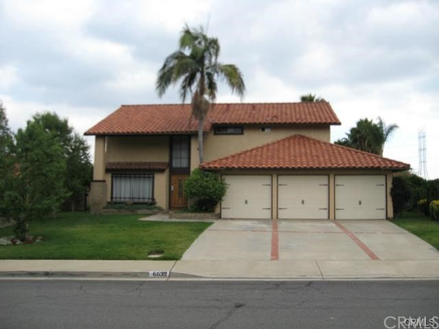 Beautiful 4 bedrooms and 2.5 bathrooms home with fantastic golf course view in North of La Verne. professional lands keeping with wonderful pool and spa. Every room has great view. Good neighborhood and excellent schools. easy access to 210 freeway.