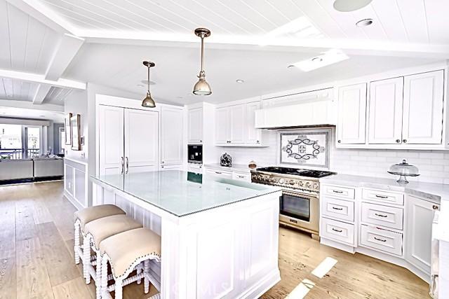 322 31st, Hermosa Beach, California 90254, 4 Bedrooms Bedrooms, ,5 BathroomsBathrooms,For Sale,31st,SB21031722