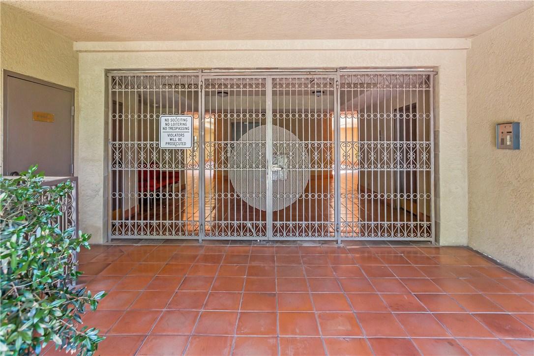 221 S Oak Knoll Av, Pasadena, CA 91101 Photo 4