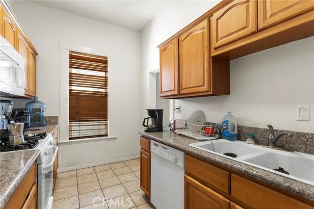 13. 511 E Central Avenue Redlands, CA 92374