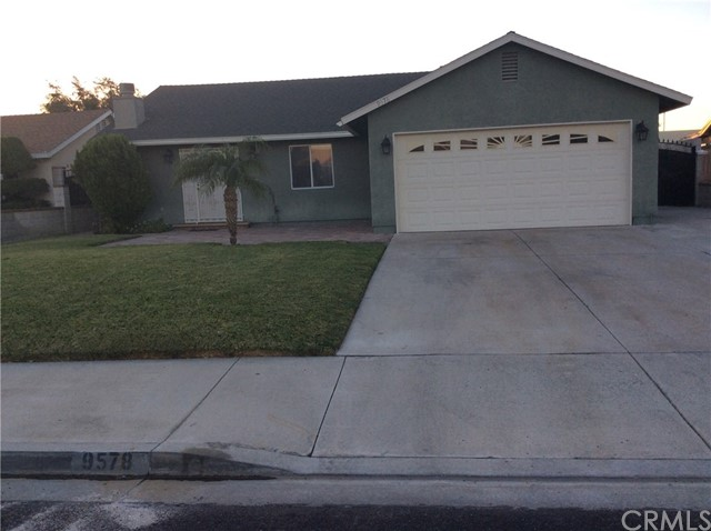9578 Magnolia Street, Bloomington, CA 92316