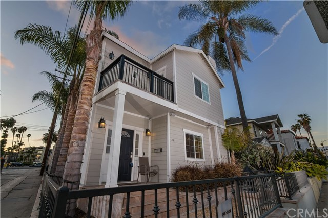 25 Belmont Avenue, Long Beach, CA 90803