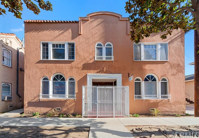 126 Esperanza Avenue, Long Beach, CA 90802