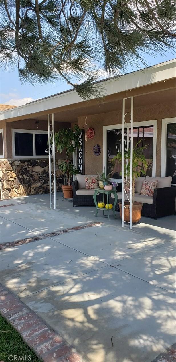 9771 Encina Avenue, Bloomington, CA 92316