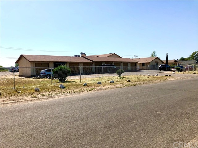 13584 Yakima Road, Apple Valley, CA 92308