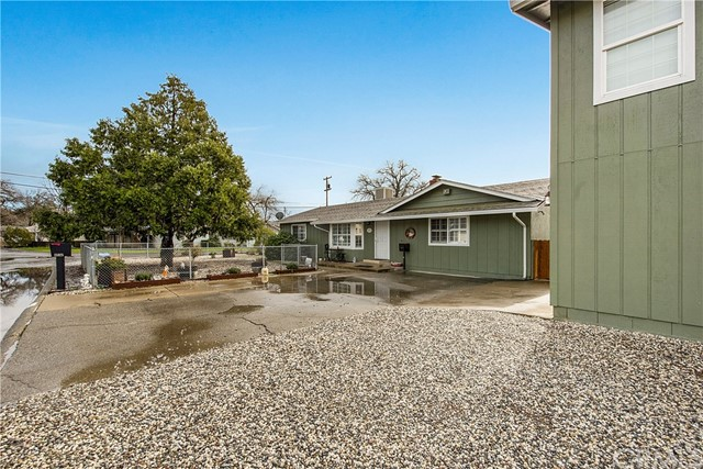 15025 Lakeview Way, Clearlake, CA 95422