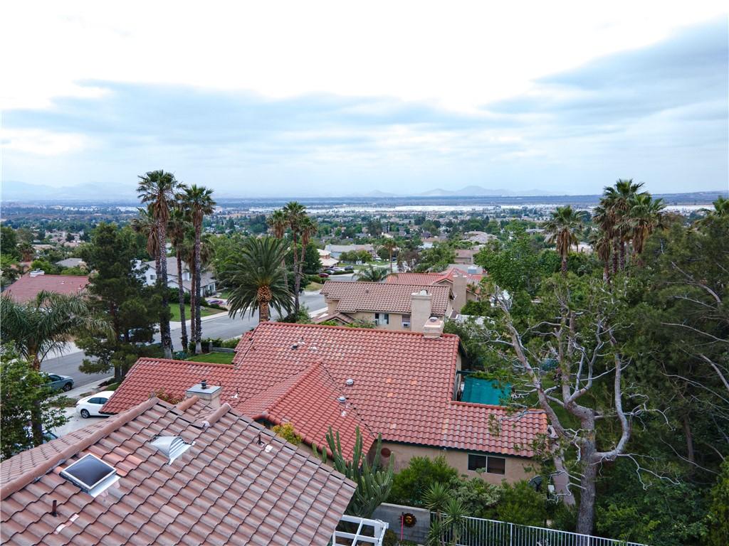 50. 6816 Huntington Drive San Bernardino, CA 92407