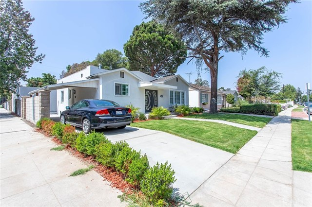 4555 Willowcrest Avenue, Toluca Lake, CA 91602