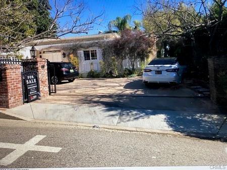 1166 Linda Flora Drive, Bel Air, CA 90049