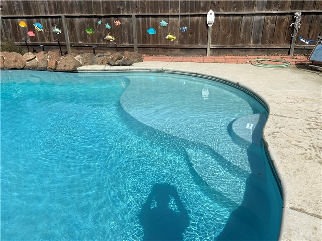 Great area for small children to play, Pool approx 12 yrs old.