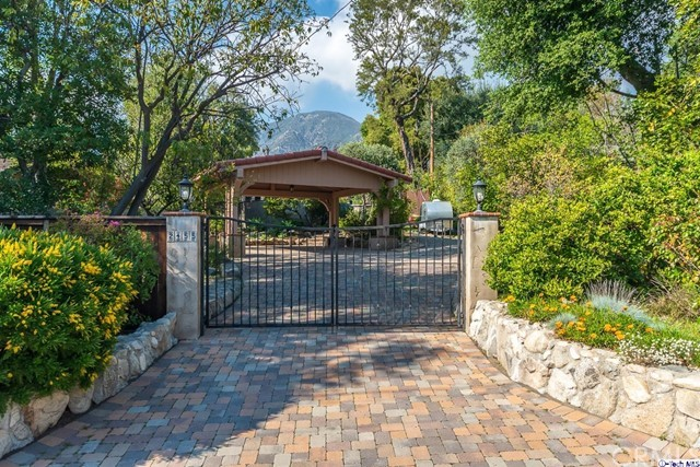 2455 Orange Avenue, La Crescenta, CA 91214