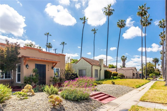 Photo of 5170 S Manhattan Place, Los Angeles, CA 90062