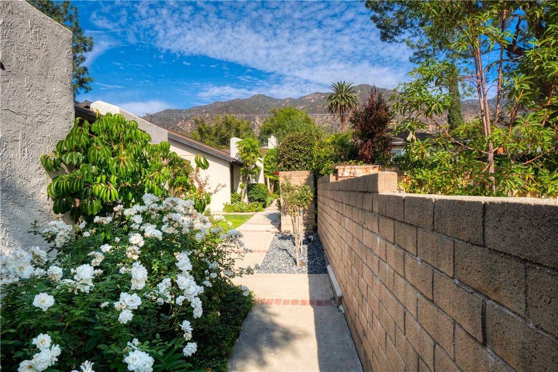 274 W Montecito Avenue D, Sierra Madre, CA 91024
