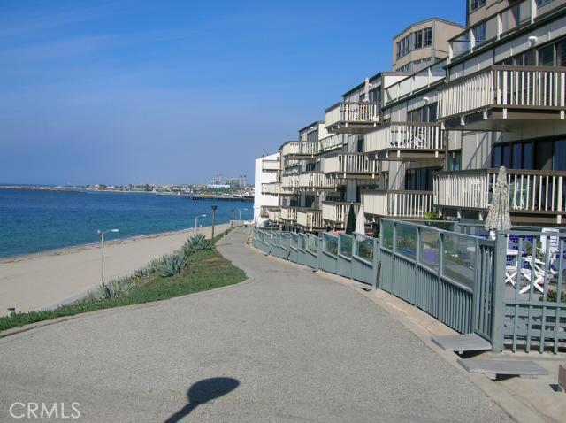 625 Esplanade 56, Redondo Beach, California 90277, 2 Bedrooms Bedrooms, ,1 BathroomBathrooms,For Rent,Esplanade,S10092216