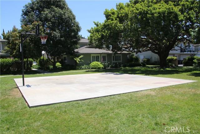 27. 16394 DEL ORO Circle #135 Huntington Beach, CA 92649