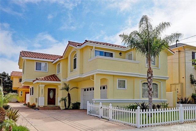 2004 Gates Avenue A, Redondo Beach, California 90278, 4 Bedrooms Bedrooms, ,2 BathroomsBathrooms,For Sale,Gates,SB18097486
