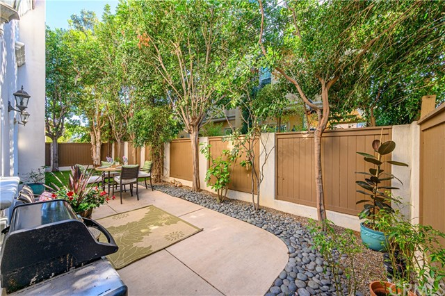 2402 Graham Avenue B, Redondo Beach, California 90278, 4 Bedrooms Bedrooms, ,2 BathroomsBathrooms,For Sale,Graham,SB20089930