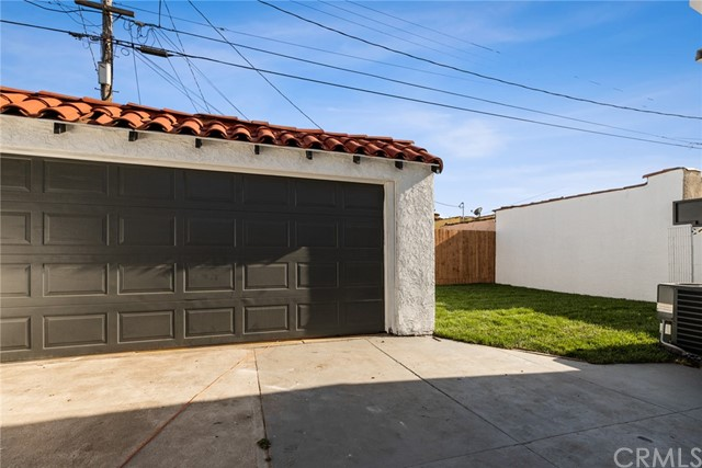 Image 27 of 1046 W 81St Pl, Los Angeles, CA 90044
