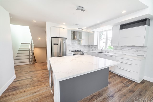 2715 Carnegie Lane B, Redondo Beach, California 90278, 4 Bedrooms Bedrooms, ,4 BathroomsBathrooms,For Sale,Carnegie,SB19176432