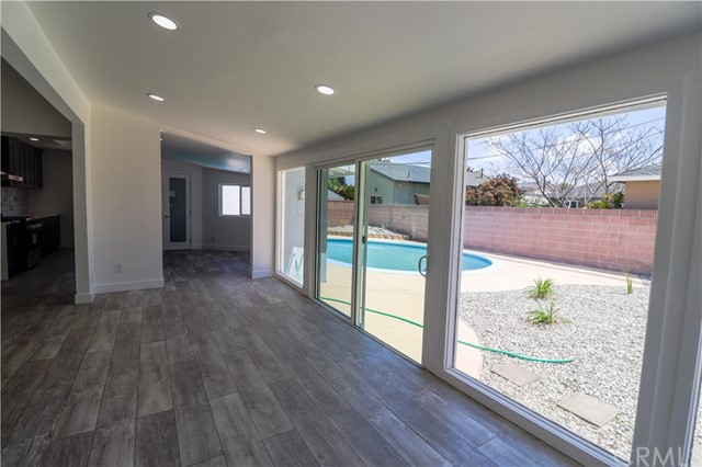 Image 13 of 2288 San Vicente Ave, Long Beach, CA 90815
