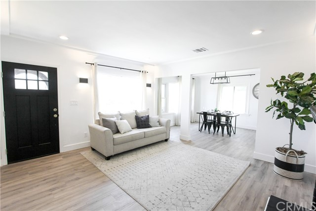 Image 3 of 5743 Chesley Ave, Los Angeles, CA 90043