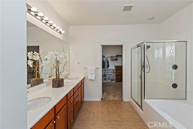 Bathroom 3 - Main