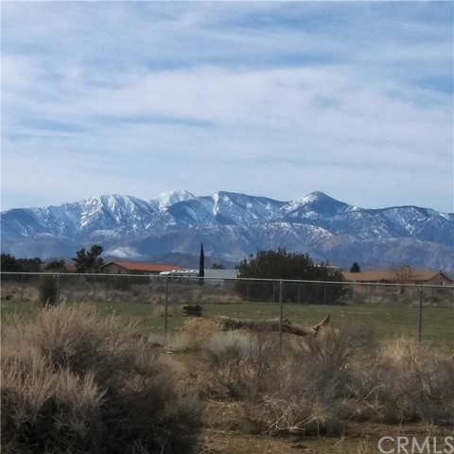 10611 Yucca Terrace Dr, Oak Hills, CA 92344 Photo 1