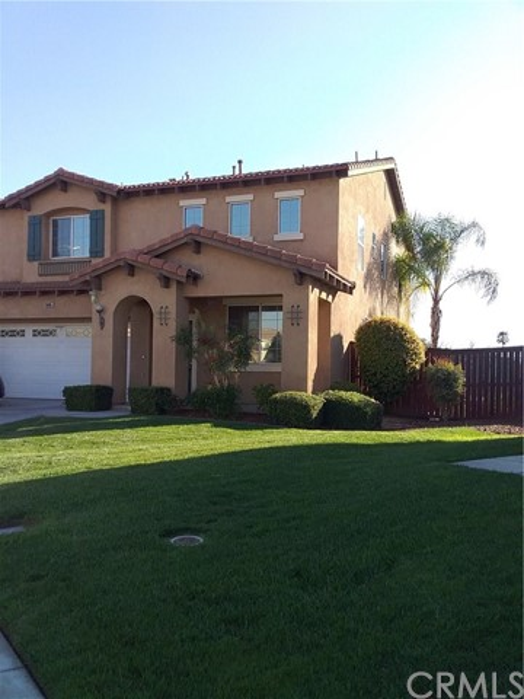 16085 Peninsula Ct, Moreno Valley, CA 92551