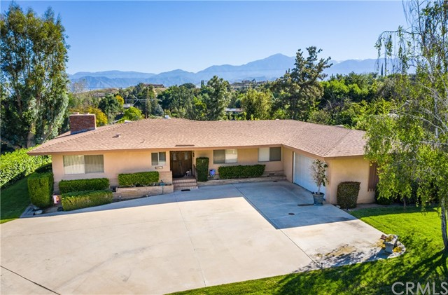 1817 Country Club Drive, Redlands, CA 92373