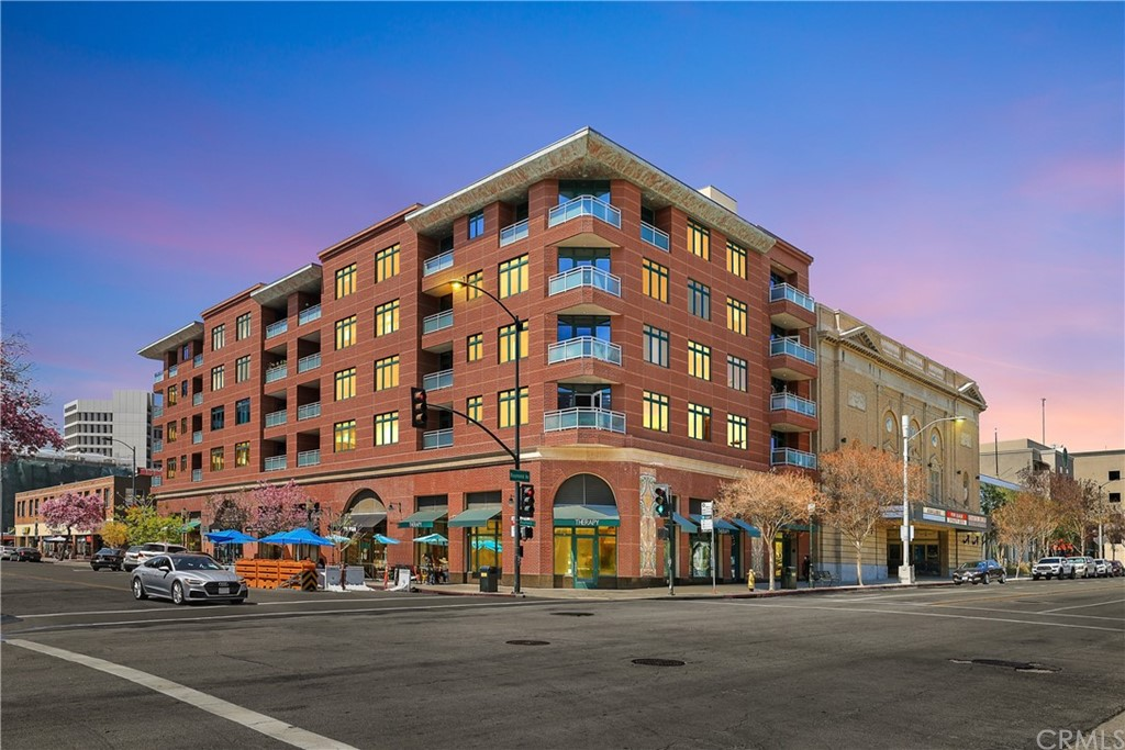 Photo of 125 N Raymond Avenue #402, Pasadena, CA 91103