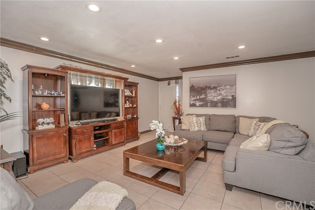 520 W Plum Street, Compton, CA 90222