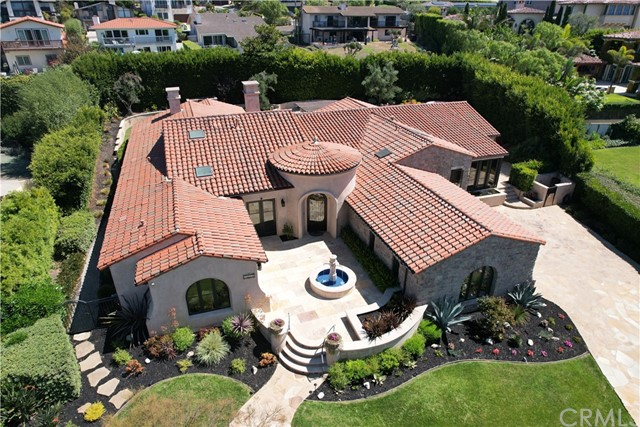 Sprawling Spanish designed by renowned architect ****
