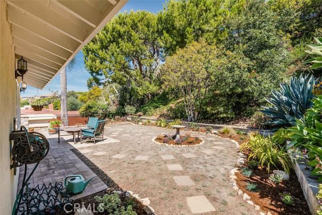 25. 7249 Berry Hill Drive Rancho Palos Verdes, CA 90275