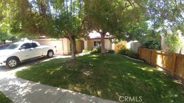 1791 N Matthew Avenue, Farmersville, CA 93223
