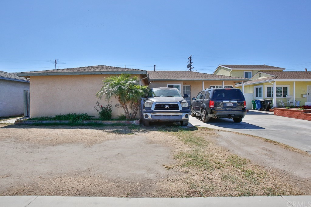 7542     BROOKLAWN  DR., Westminster CA 92683
