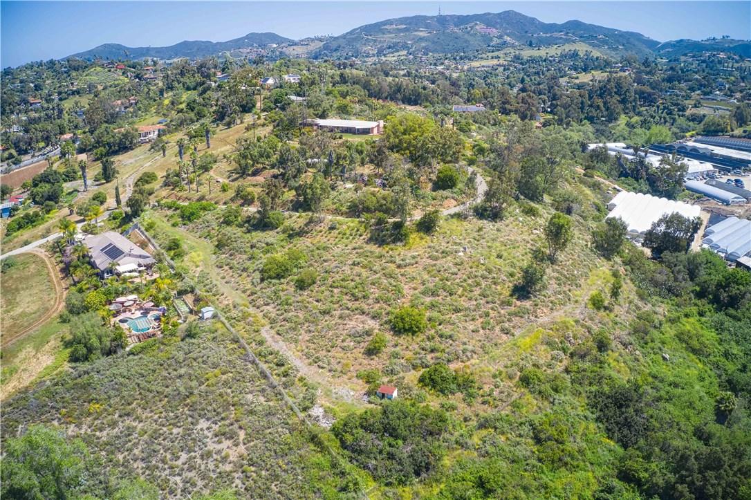900 Valley Drive, Vista, CA 92084