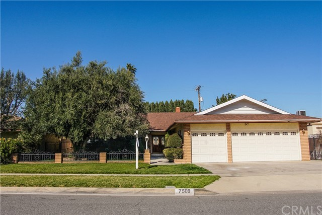 7509 Sarabeth Street, Downey, CA 90242