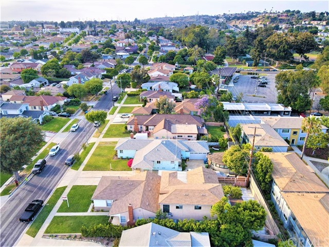 32. 6256 Condon Avenue Los Angeles, CA 90056