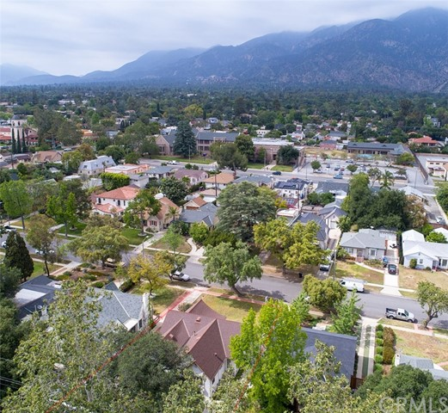 2140 Galbreth Rd, Pasadena, CA 91104 Photo 30