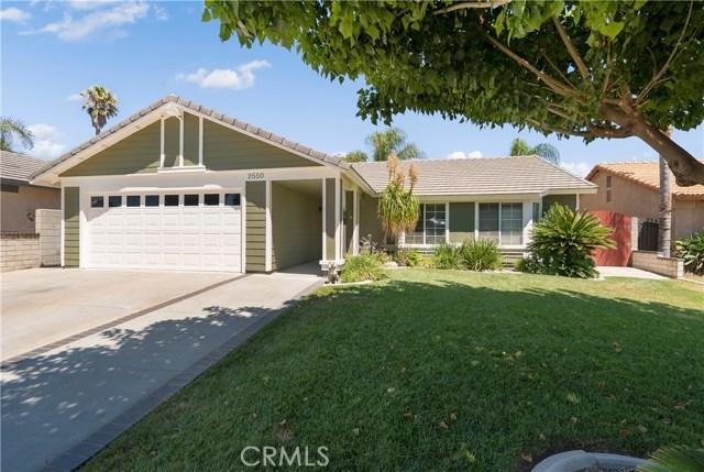 2550 W Montecito Drive, Rialto, CA 92377