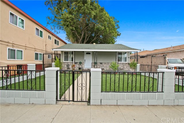 6542 Indiana Avenue, Long Beach, CA 90805
