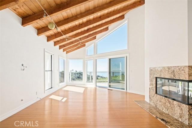 房产卖价 : $256.50万/¥1,765万