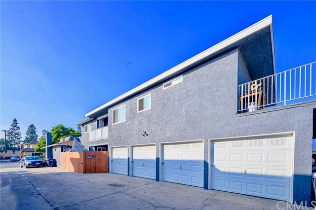 17472 Dairyview Circle, Huntington Beach, CA 92647