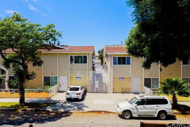 Price reduced and now available separately from portfolio! Rare portfolio property of 16 units on 2 parcels separated by an entry courtyard. Perfect unit mix of 100% 2 bed/1 bath apartments. All but 2 units recently upgraded including flooring, kitchen cabinets, quartz counters, and new bathrooms. All windows recently replaced. Strong actual income at 12.89X gross plus an additional 9.0% upside in income to a market GRM of 11.82. 2 garages plus 15 off-street parking spaces.  Less than a mile to Alamitos Beach and only 4 blocks to Retro Row.  Part of 3 property, 41-unit portfolio offering.  Available together with 1332 Walnut (MLS#SB20171640) and 911-919 Rose (MLS#SB20171606).  Can be sold separately, but seller is motivated and can sell together for a better price.