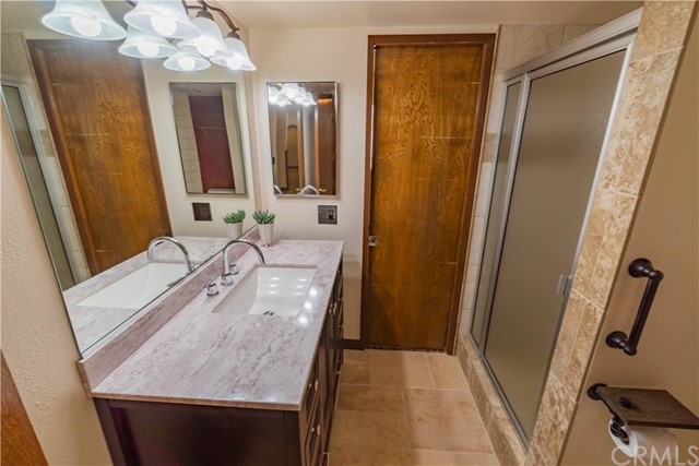Ensuite bathroom to Guest room