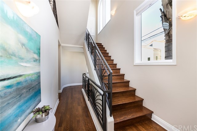 Entry way on first level